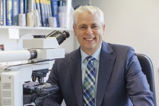 Dr. Bernd Knoblauch